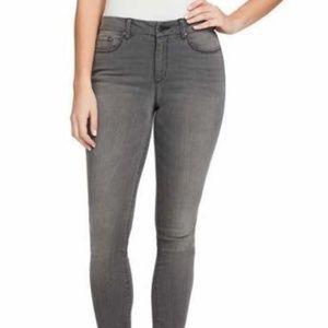 Jessica Simpson Ladies' High-rise Skinny Jean